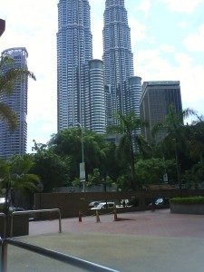 klcc-view-from-the-piazza-fountain-courtyard-of-megan-avenue-ii-225x300